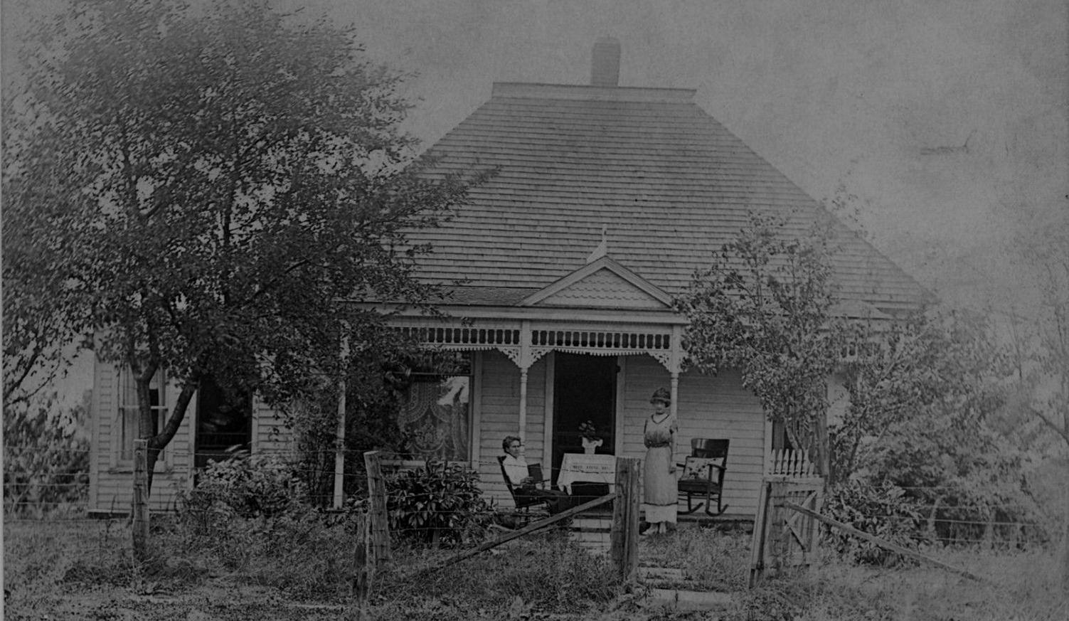 Historic photos for Victorian home catalog
